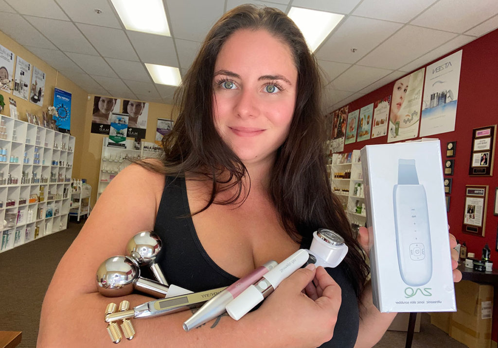 Handheld esthetician skincare tools